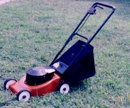 電池動力割草機