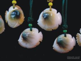 珠螺贝雕鱼挂件﹝天然质色珠螺贝雕鱼﹞