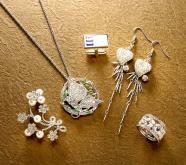 半宝石金属饰品