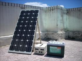 太陽能小型家庭或休閒用電-行動電力