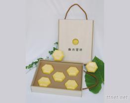 OEM / ODM蜂王乳皂精緻禮盒裝