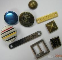 金屬類鈕扣