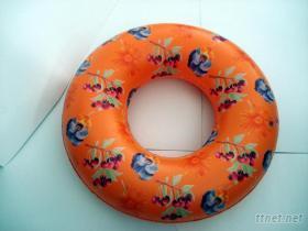 充氣游泳圈