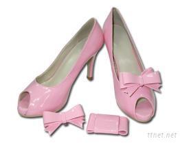 粉红蝴蝶结高跟鞋