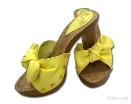 黄色蝴蝶结高跟鞋