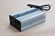 電動車充電器 12V30A