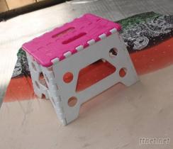 黑加白/透明加彩色塑料折疊凳
