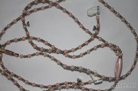 項鏈耳機, 珠子項鏈耳殼