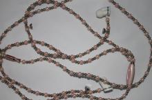 项链耳机, 珠子项链耳壳