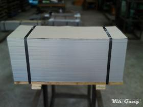 不鋼片 (Stainless Steel Sheets)