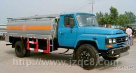 東風140尖頭油罐車