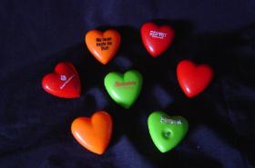 Herzblinkender Pin