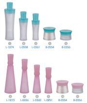 De Flessen van het Water van het glas/de Kruiken van de Room van het Glas