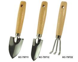 Topf, der Werkzeuge pflanzt