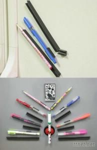 Magnetic U-shaped Penholders
