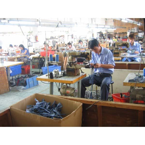 Guangzhou Quanda Leather Goods Factory