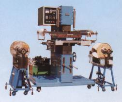 Máquina de carimbo quente com dois jogos do dispositivo de alimentação da folha