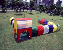 Play House with Tunnel
