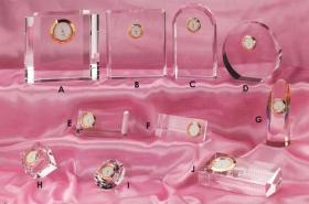 水晶トロフィ