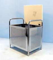 철 도금된 의자