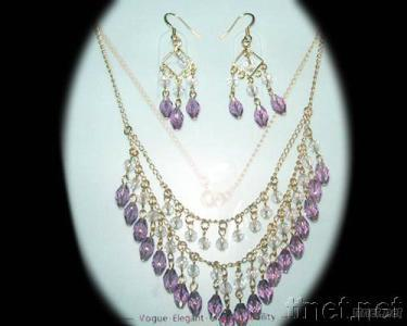 Slap-up Crystal Jewelry