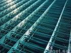 溶接された網パネル