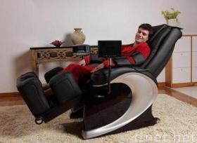 拡張可能な足台のマッサージの椅子