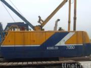 使用されたKobelcoのクローラークレーン7050 (秒針のクローラークレーン50ton)
