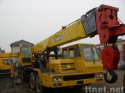 使用されたTADANOのトラッククレーンTG-300E (秒針のクレーン車30ton)
