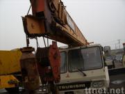 使用されたKATOのトラッククレーンNK-400E (秒針のクレーン車40ton)