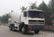 6*4 de concrete mixer van HOKA