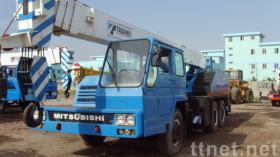 25トンはTADANOのトラッククレーンを使用した