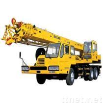 クレーン16トンのトラック