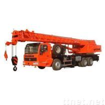クレーン25トンのトラック