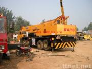 使用されたクレーンKATO 55トン