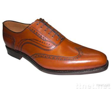 lace-up wing tip inbrandy burnished French cow leather ,hand made ,italian workmanship,men's leather shoes