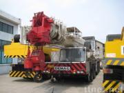 DEMAGのトラッククレーンAC265J