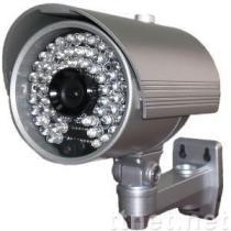54 IR LEDのカメラ(ブラケットを通したケーブル)