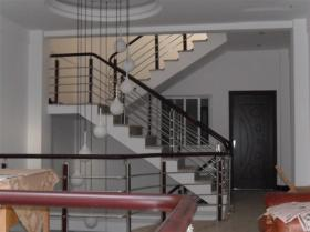 providing  luxurious staircase fence and stainless steel railings