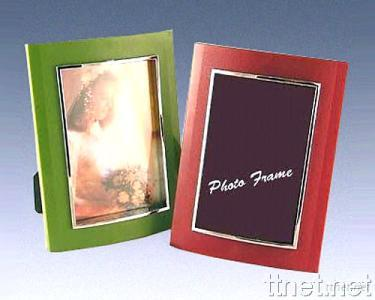 Plastic Photo Frame with Zinc Trimming