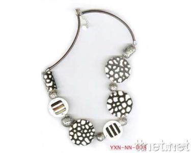 Necklace of Animal Imprint Pattern