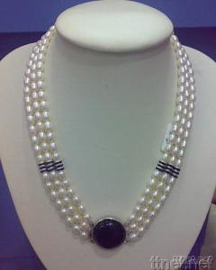 Pearl Jewelry - Freshwater Pearl Necklace