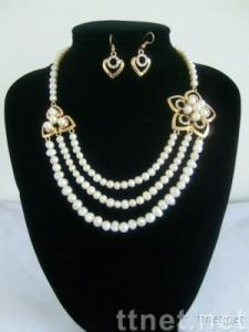 Fashion Jewelry of Pearl Necklace Set
