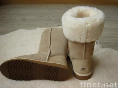 UGG Classic Flower boots