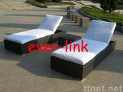 rattan lovery couch
