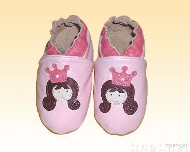 soft sole leather baby shoe