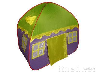 kid playing tent
