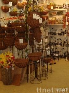 hanging wire basket with cocoliner